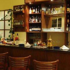 Отель Kings Way Inn Petra Иордания, Вади-Муса - отзывы, цены и фото номеров - забронировать отель Kings Way Inn Petra онлайн гостиничный бар