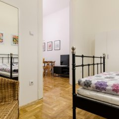 Апартаменты Mustard Apartment комната для гостей фото 3