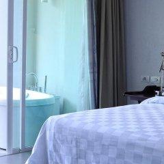 Отель Sugar Palm Grand Hillside 4* Номер Делюкс двуспальная кровать фото 21