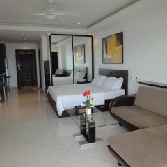 Отель Vtsix Condo Service at View Talay Condo Студия с различными типами кроватей фото 3