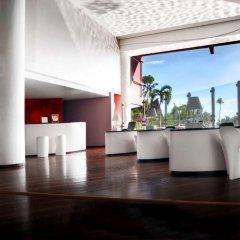 Отель Tahiti Ia Ora Beach Resort - Managed by Sofitel интерьер отеля