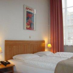 Rokin Hotel 3* Стандартный номер с двуспальной кроватью