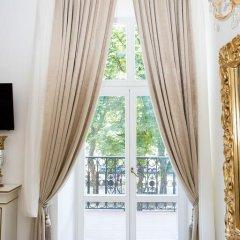 Гостиница De Versal балкон