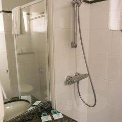 Отель Hôtel Exelmans 2* Улучшенный номер с двуспальной кроватью фото 19