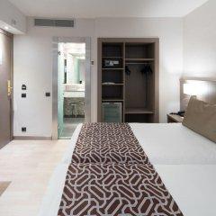 Отель Catalonia Park Güell 3* Номер категории Премиум с различными типами кроватей фото 9