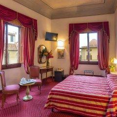 Paris Hotel 3* Улучшенный номер с двуспальной кроватью