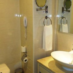 Port Side Resort Hotel ванная фото 2