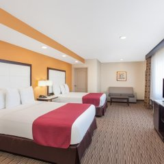 Отель Ramada by Wyndham Culver City 2* Стандартный номер с различными типами кроватей фото 2