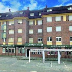 Отель Hostal Sanpatiel спортивное сооружение
