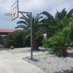 Отель Liberta Guesthouse парковка