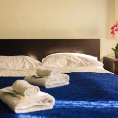 Мини-отель Белая ночь 2* Стандартный семейный номер с двуспальной кроватью (общая ванная комната) фото 4