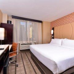 Отель Holiday Inn New York City - Times Square 3* Стандартный номер с различными типами кроватей фото 4