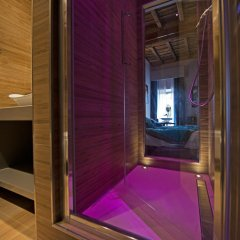 Отель Torre Argentina Relais - Residenze di Charme 3* Стандартный семейный номер с двуспальной кроватью фото 7