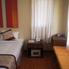 The White Avenue Hotel сейф в номере