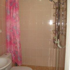 Отель Azov Guest House Бердянск ванная