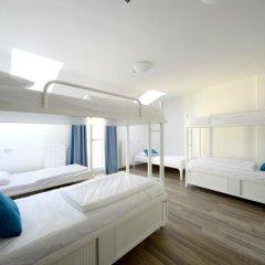 Отель Equity Point Prague Кровать в общем номере с двухъярусной кроватью фото 15