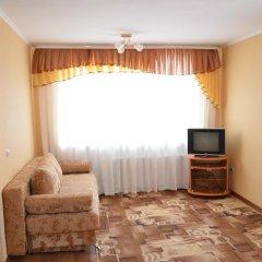 Гостиница Na Geologorazvedchikov 5 в Тюмени отзывы, цены и фото номеров - забронировать гостиницу Na Geologorazvedchikov 5 онлайн Тюмень комната для гостей фото 2