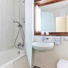 Отель Campanile Paris Est - Pantin 3* Улучшенный номер с различными типами кроватей фото 3