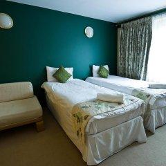 DeSalis Hotel London Stansted 3* Стандартный семейный номер с различными типами кроватей фото 4