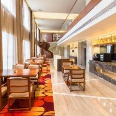 Отель Holiday Inn Shanghai Hongqiao интерьер отеля фото 2
