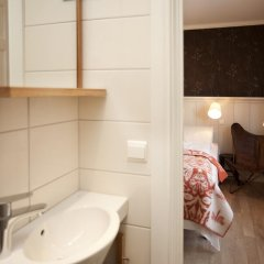 Отель Erzscheidergaarden Норвегия, Рерос - отзывы, цены и фото номеров - забронировать отель Erzscheidergaarden онлайн ванная