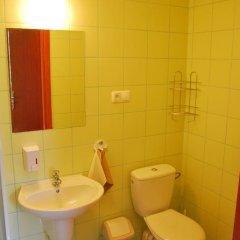 Отель Bluszcz 2* Стандартный номер с 2 отдельными кроватями фото 17