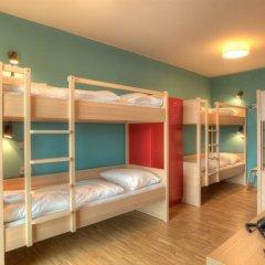 MEININGER Hotel Frankfurt/Main Messe 3* Кровать в общем номере с двухъярусной кроватью фото 2