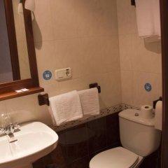 Отель Hostal El Pilar Стандартный номер с двуспальной кроватью фото 38