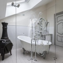 Отель Château Monfort 5* Люкс с различными типами кроватей фото 3