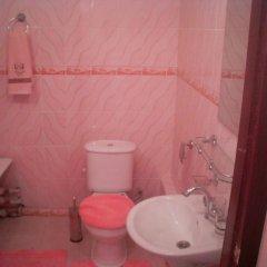 Гостиница B&B Aktau Казахстан, Актау - отзывы, цены и фото номеров - забронировать гостиницу B&B Aktau онлайн ванная