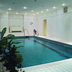 Отель Flora Чехия, Марианске-Лазне - отзывы, цены и фото номеров - забронировать отель Flora онлайн бассейн