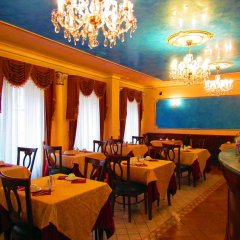 Hotel Renesance Krasna Kralovna питание