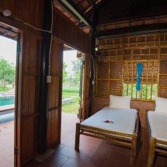 Отель Tra Que Flower Homestay Кровать в общем номере с двухъярусной кроватью фото 4