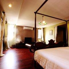 Отель The Road Feung Nakorn Бангкок сейф в номере