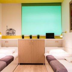 Хостел PoduShkinn Стандартный номер с 2 отдельными кроватями фото 5