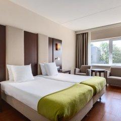 Отель NH Amsterdam Centre 4* Стандартный номер с двуспальной кроватью