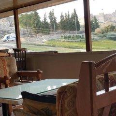 Отель Ephesus Selcuk Castle View Suites Сельчук бассейн