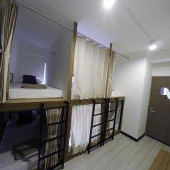 Pier 49 Hostel Кровать в женском общем номере с двухъярусной кроватью