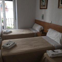 Отель Hostal Residencia Lido Стандартный номер с различными типами кроватей фото 3