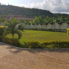 Отель Jackson Guesthouse Anomabo парковка