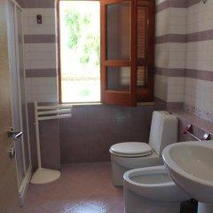 Отель Villa Eva B Поццалло ванная
