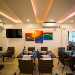 Отель The White Harp Beach Hotel Мальдивы, Мале - отзывы, цены и фото номеров - забронировать отель The White Harp Beach Hotel онлайн интерьер отеля