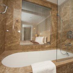 Ramada Istanbul Asia Турция, Стамбул - отзывы, цены и фото номеров - забронировать отель Ramada Istanbul Asia онлайн ванная
