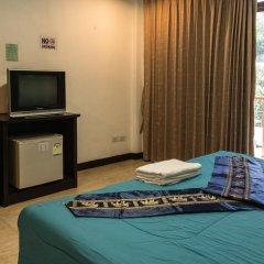 Отель Patong Bay Guesthouse 2* Улучшенный номер с различными типами кроватей фото 14