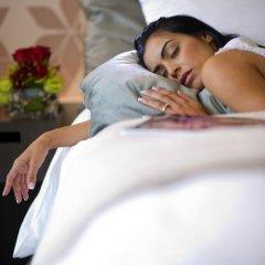 Отель Crowne Plaza Abu Dhabi Yas Island 4* Улучшенный номер с различными типами кроватей фото 4