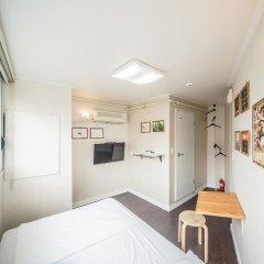 Хостел Itaewon Inn Стандартный номер с двуспальной кроватью фото 3