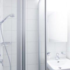 Отель Swiss Star Guesthouse Oerlikon Цюрих ванная