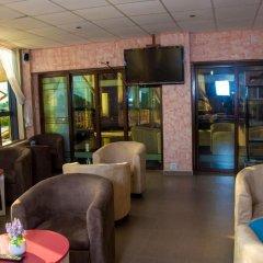 Отель Crismon Hotel Гана, Тема - отзывы, цены и фото номеров - забронировать отель Crismon Hotel онлайн гостиничный бар
