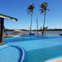 Отель Bayview Cove Resort бассейн