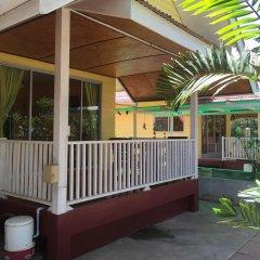 Отель Insook Ko Larn Guesthouse балкон